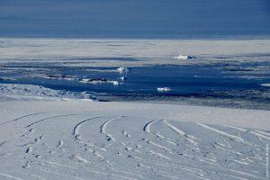 02130_Antarctica_coastal_area